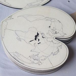 fabrication : pièces découpées et gravées
