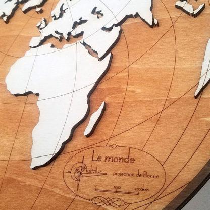 carte du monde en bois projection de bonne