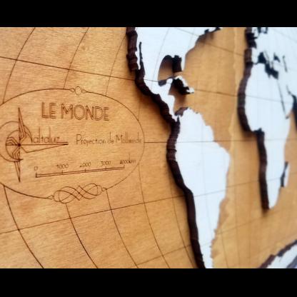 carte du monde en bois cartouche