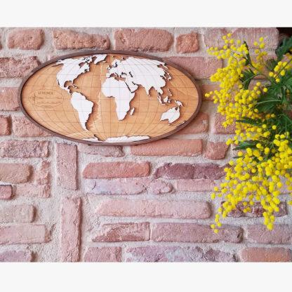 carte du monde en bois fait-main