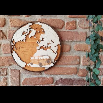carte du monde avec combi VW