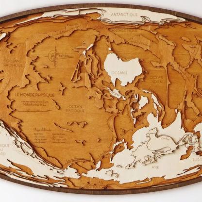 Mappemonde en bois originale
