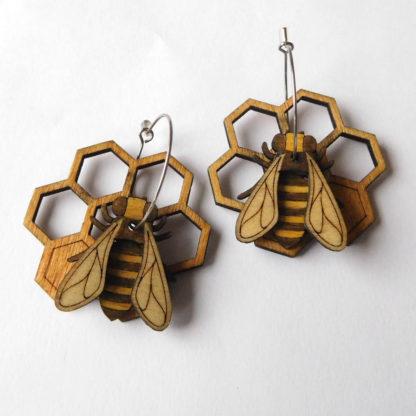 Créoles abeilles et rayon de miel