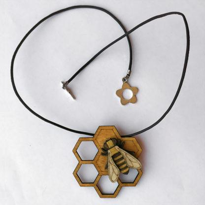 pendentif abeille en bois et cuir