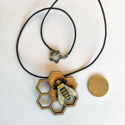 Pendentif abeille - échelle