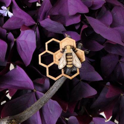 pendentif abeille et rayon de miel