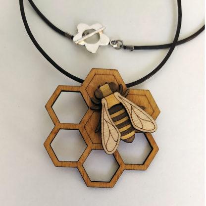 Pendentif abeille bois