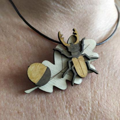 collier fait-main lucane scarabée