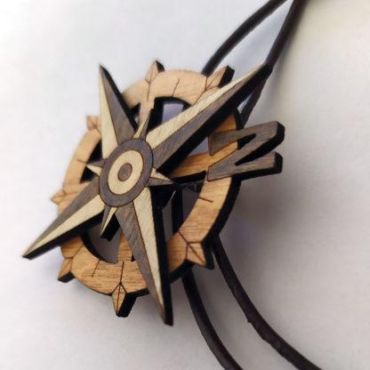 boussole en bois collier profil