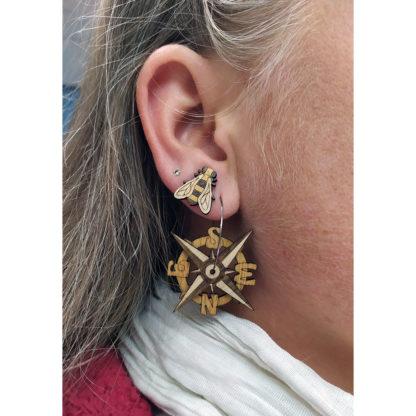 boucle oreilles boussole en bois