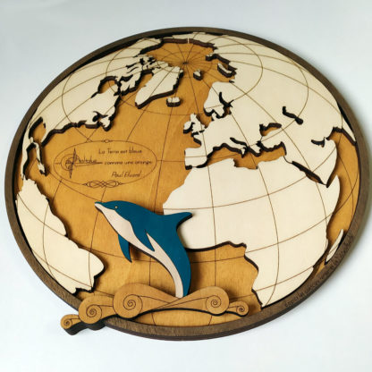 carte de l'océan atlantique avec dauphin