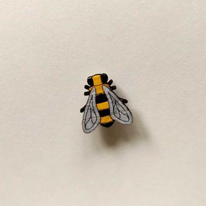 bijou de masque ou broche abeille