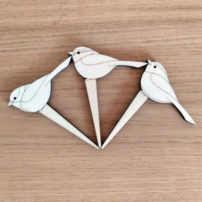 pics à plante en bois lot de trois oiseaux