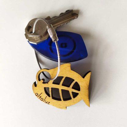 porte-clé en bois piranha