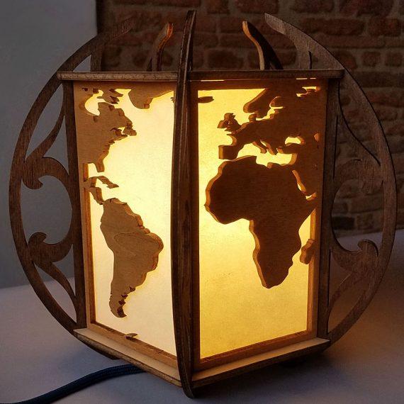 Lampe-monde en bois