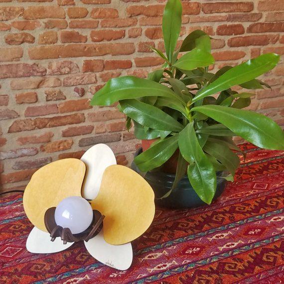 lampe bois fleur orchidée